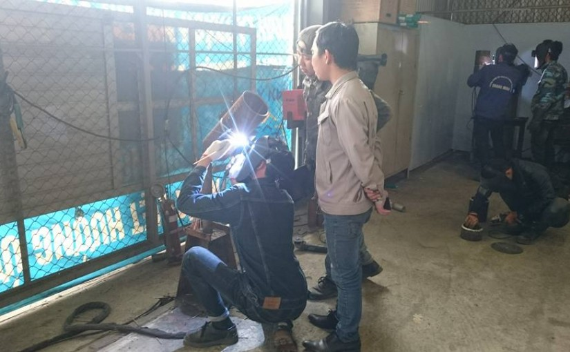 Chuyên gia Đài Loan trực tiếp kiểm tra tay nghề và tuyển lao động tại Trung tâm đào tạo Công ty Vinaeximco;..JSC