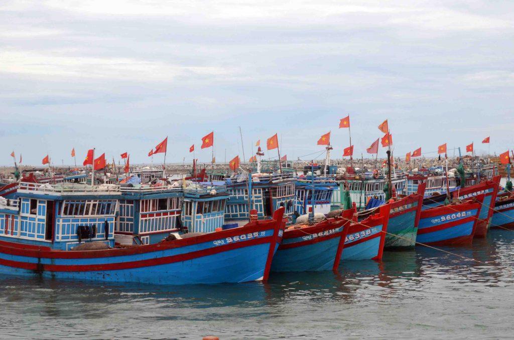 Hỗ trợ ngư dân miền trung đi xuất khẩu lao động