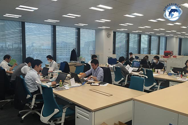 Giờ làm việc ở Nhật Bản