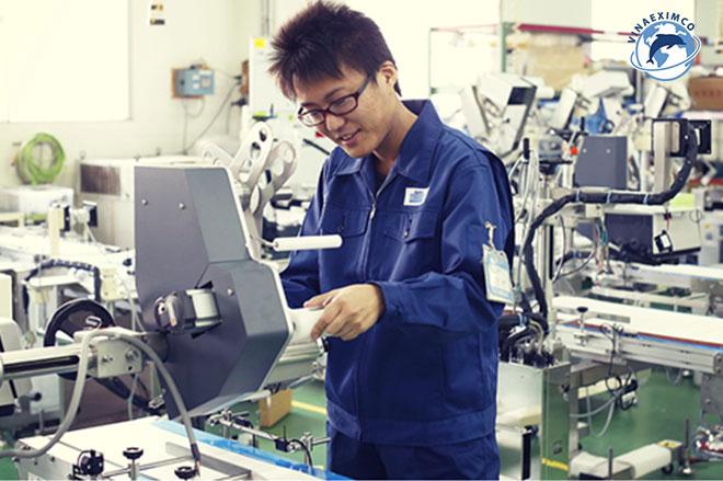 Việc làm thêm Nhật Bản - Công nhân nhà máy