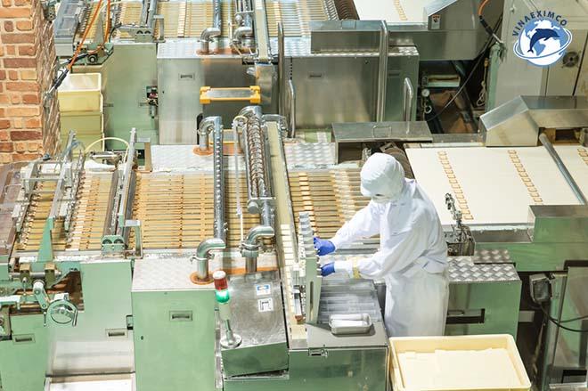 Tuyển nam thực tập sinh Nhật Bản đóng gói thực phẩm